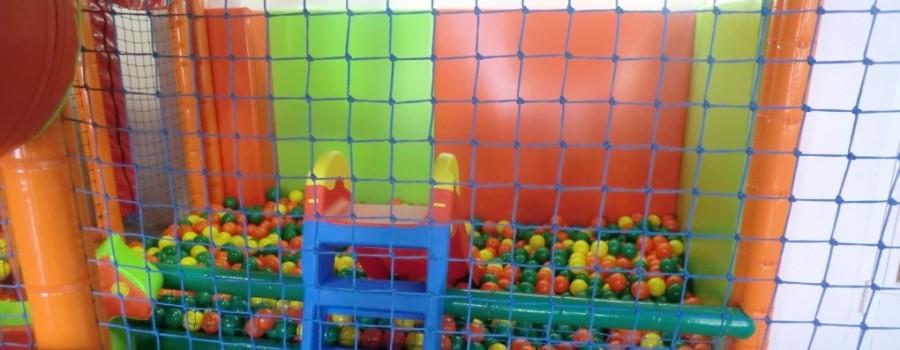 Parque de bolas Chulapos. El tobogán de los más pequeños