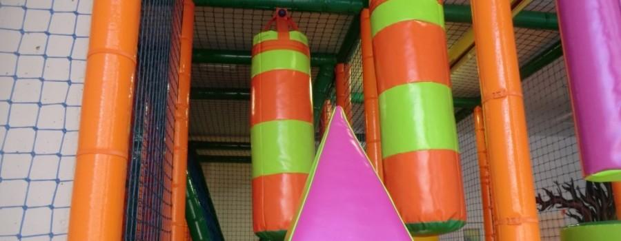 Parque de bolas Chulapos. Esquivando sacos