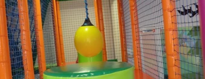Parque de bolas Chulapos. La tirolina