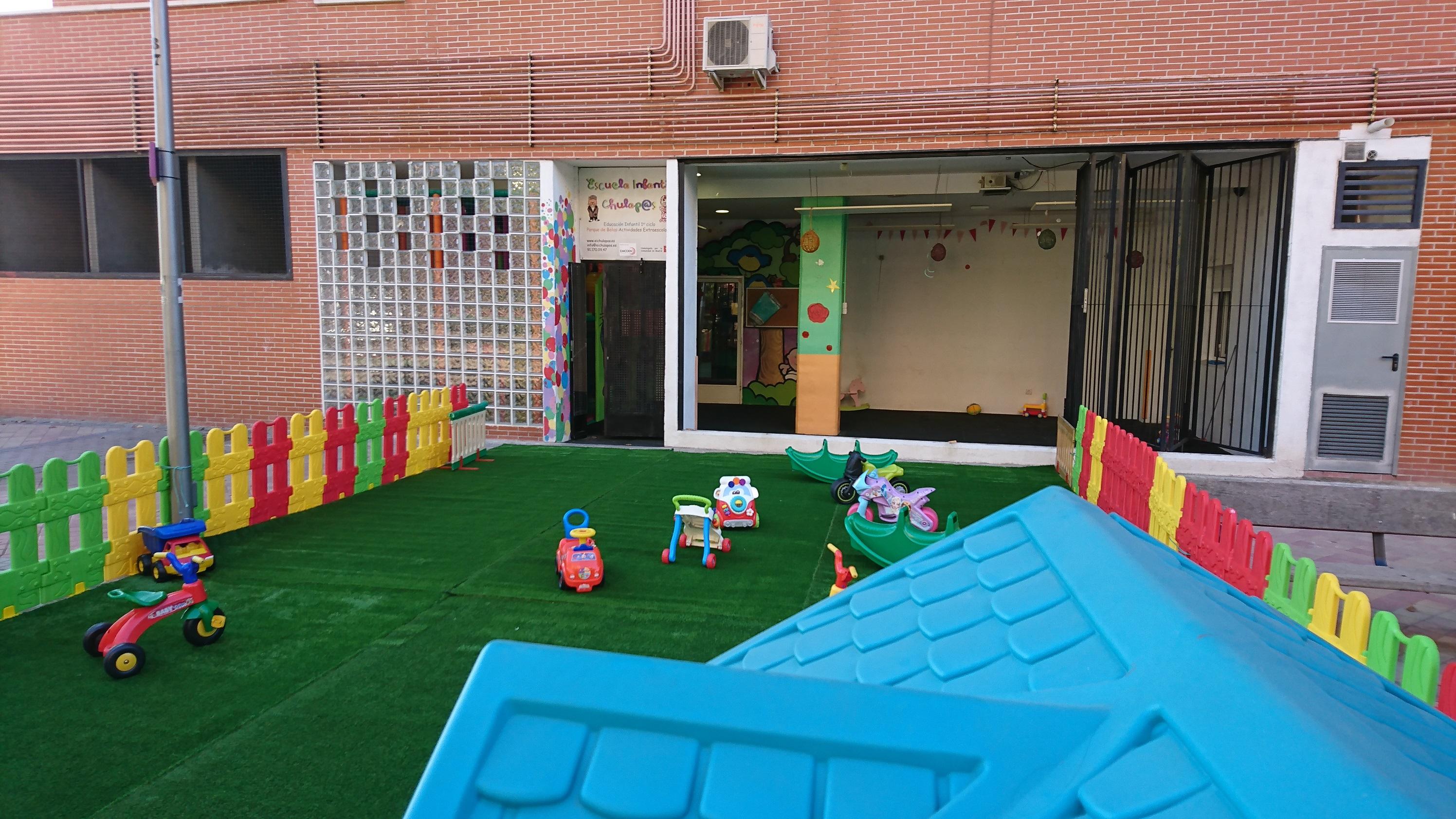 Zona exterior escuela infantil chulapos